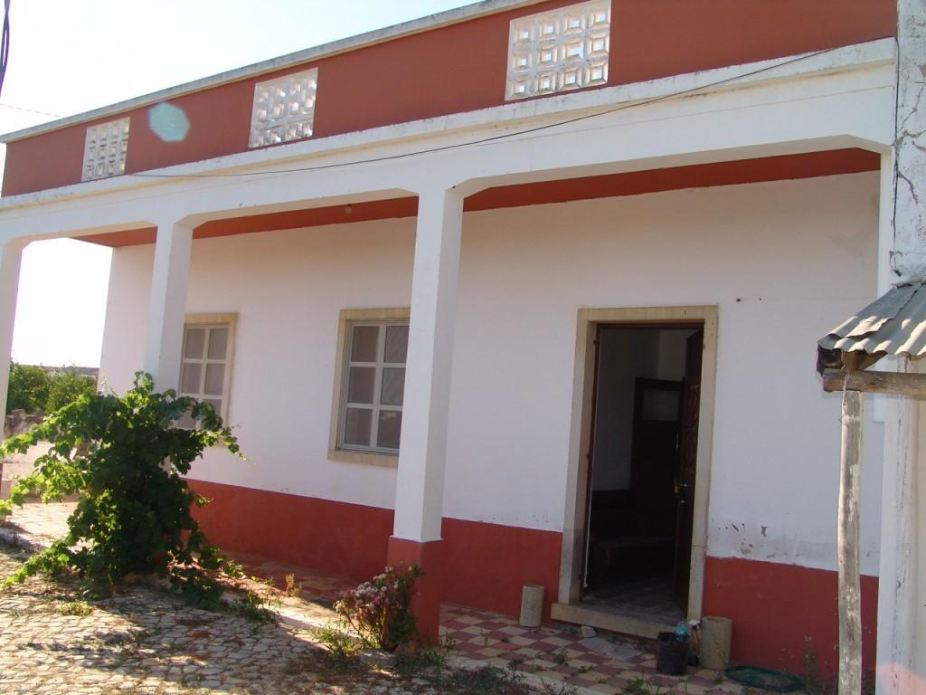 Single Level Home_for_sale_in_Faro_SMA10804