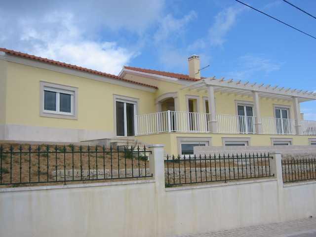 Imobiliário - Vendas -  Moradias - 3 Bedrooms and 3 bathrooms Semi Detached House in Vale da Pinta - ID 6363