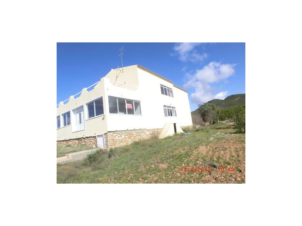 Detached House_for_sale_in_Loul�_SMA10879