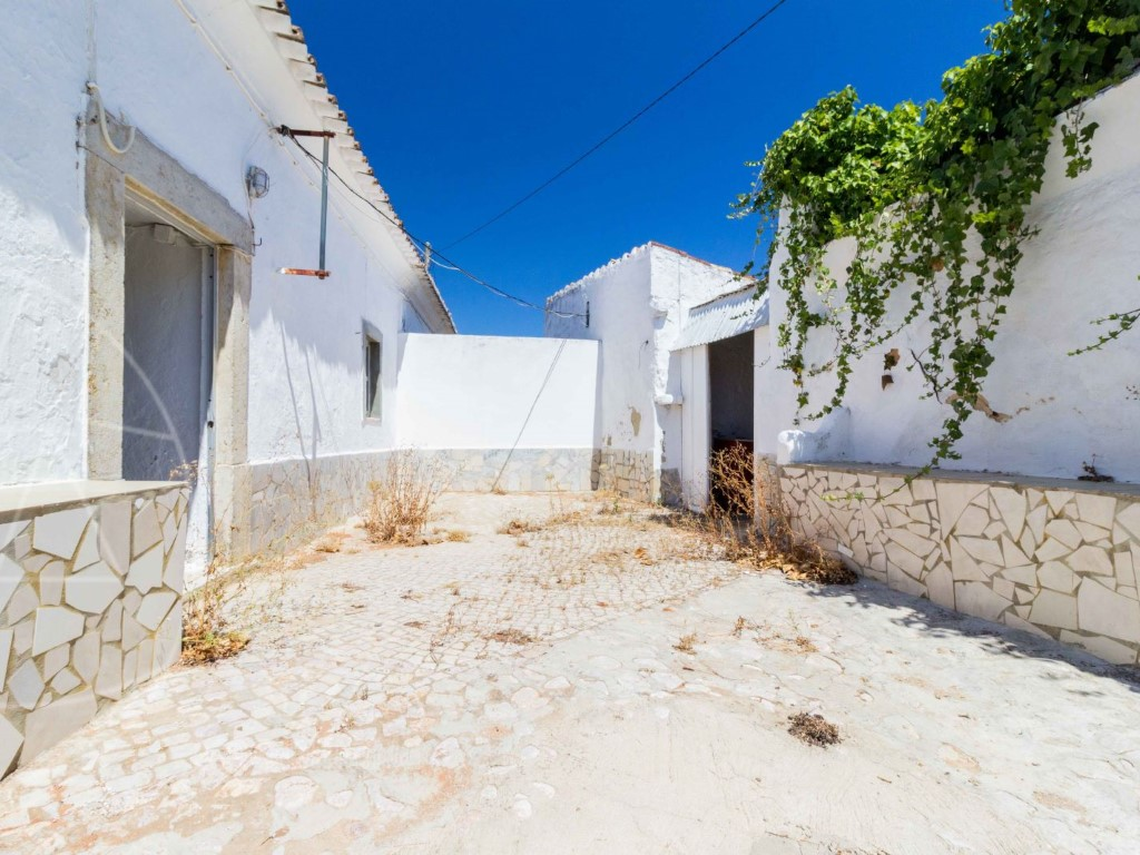 Old House_for_sale_in_Faro_SMA10977