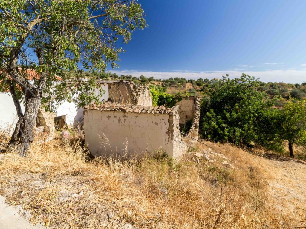 Ruins_for_sale_in_Loulé_SMA11222