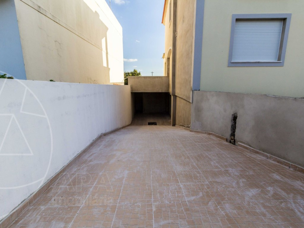 Semi-Detached House_for_sale_in_Faro_SMA11292