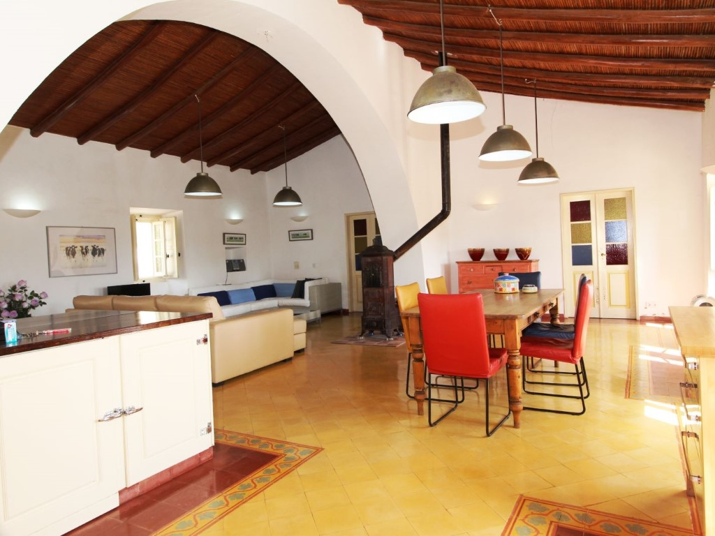 Propri t ref 11553 a vendre au portugal fr for Tres belle cuisine equipee
