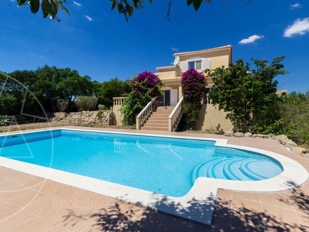 House_for_sale_in_Loul�_SMA11580