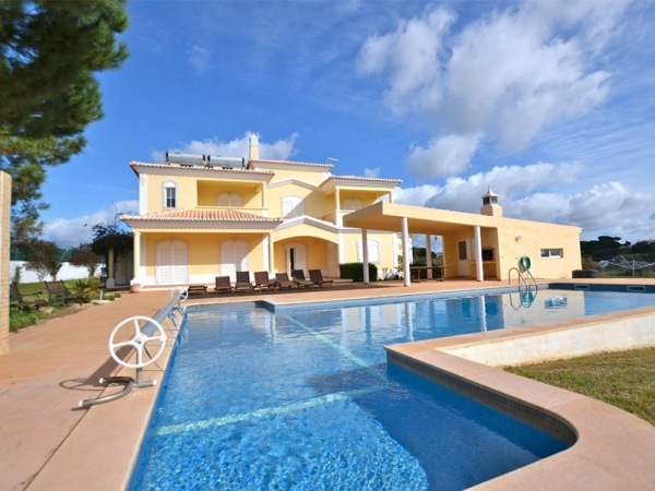 Villa_for_sale_in_Albufeira_sma11842