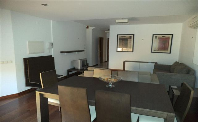 Home_for_sale_in_Lagos, Luz_sma12004