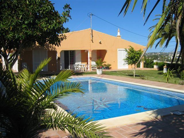 House_for_sale_in_Almancil_LDO12696