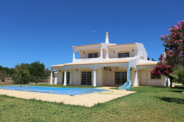 Property_for_sale_in_Vilamoura_LFI12735