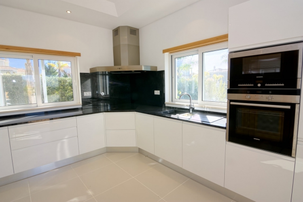 Home_for_sale_in_Vilamoura_EMA12780