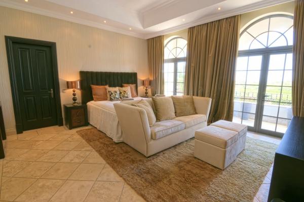 Villa_for_sale_in_Albufeira_EMA12806