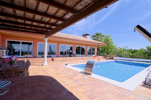 Villa_for_sale_in_Loule, Almancil, S. Bras de Alportel_EMA12915