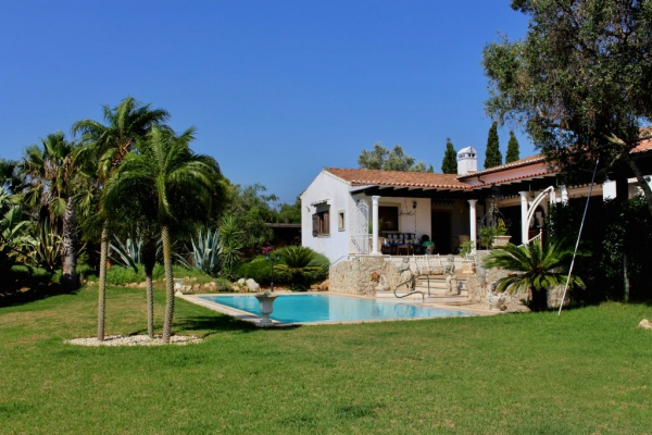 Investment Property_for_sale_in_Mexilhoeira Grande_sma13180