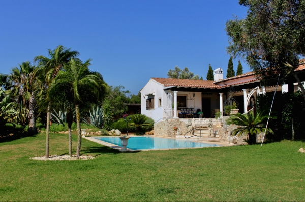 Bed & Breakfast_for_sale_in_Mexilhoeira Grande_sma13198