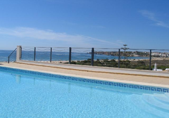 Lagos - Imobiliário - Vendas - Apartamentos - New Luxury development of 2 and 3 bedroom apartments with stunning views over the Meia Praia beach. - ID 6061
