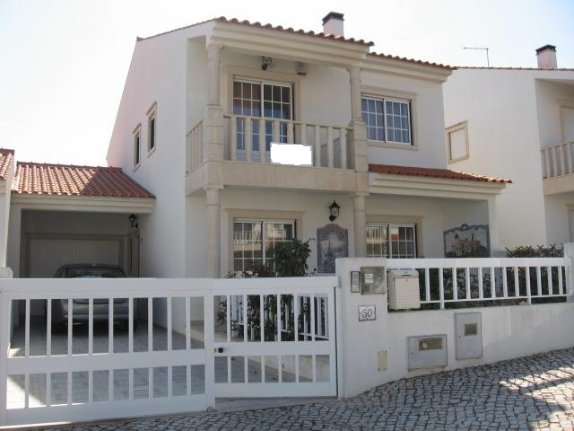 sao martinho do porto - Real Estate - Sales - Houses - well built semi-detached house in S. martinho do Porto - ID 5399