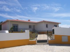 Imobiliário - Vendas - Casas - Environmentally Friendly, sunny and pacefull area. Three Bedrooms Deatached Houses! - ID 5391