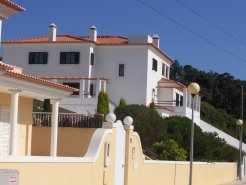 Imobiliário - Vendas -  Moradias - Luxury Villa with elevator. Incredible views for the castel of Sintra and the sea. - ID 5807