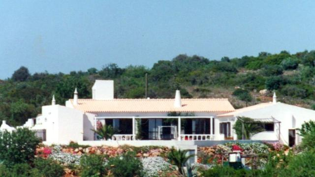 Imobiliário - Vendas - Guesthouses & Bed And Breakfasts - 3 Fantastic Rural Villas currently run as Business - ID 6772
