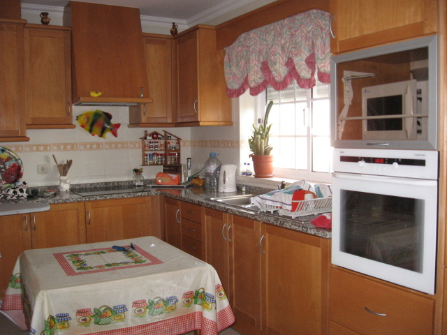 Imobiliário - Vendas - Casas - Last T3 detached House Located in a Coastal Village - Only 5 kms from Nazare Beach - ID 4942