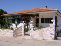Guesthouse_for_sale_in_2_DSI2372