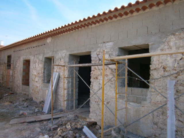 Imobiliário - Vendas - Casas - Charming old typical house with annexes to restore - ID 5361