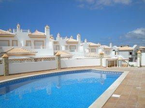 Imobiliário - Vendas - Casas - FarmVillage, Albufeira Brand new 2+1 Bedroom Town Houses on Quiet condominium - ID 5347