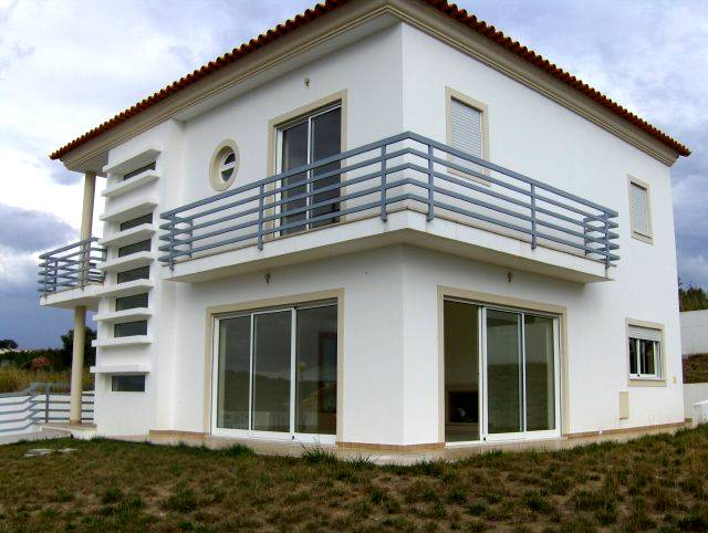 Alcobaca - Imobiliário - Vendas - Casas - Modern and Beautiful House whith 4 Bedrooms - ID 5346