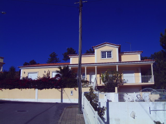 Salir do Porto - Imobiliário - Vendas - Casas - Beautiful villa with bay views and possible small bed & breakfast - ID 5334