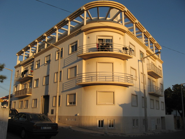 Imobiliário - Vendas - Apartamentos - Three bedroom apartment with terrace overlooking the Village. - ID 6030
