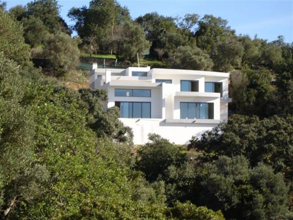 Imobiliário - Vendas -  Moradias - Villa T4, Sao Bras de Alportel – Algarve, A modern house with excelents views ! - ID 5843