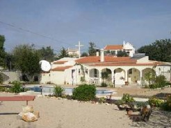 Loule - Imobiliário - Vendas - Casas - Detached Villa with 4 Bedrooms and Pool - ID 5244
