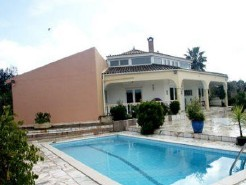 Imobiliário - Vendas - Casas - 3 Bed Villa + 1Bed Guest Apartment With Pool on Large Plot - ID 5240