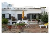 Imobiliário - Vendas -  Moradias - Cosy 2 bed villa set within walking distance to the beach - ID 5760