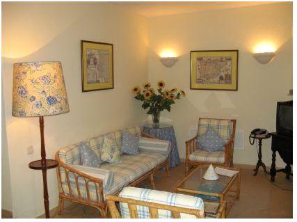 Imobiliário - Vendas -  Moradias - Large Seaside Villa close to foz do Arelho - Silver Coast Portugal - ID 4786