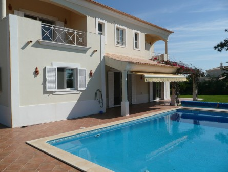 Imobiliário - Vendas -  Moradias - 4 Bedroom, 4 Bathroom Villa in Villa Sol at the Hill Top - ID 5755