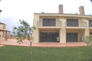 Imobiliário - Vendas - Casas - Lovely 2 Bedroom Townhouse - ID 5217