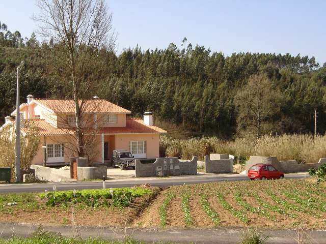 Caldas da Rainha - Imobiliário - Vendas - Casas - 3 Bedroom semi detached house in rural settings - ID 5211
