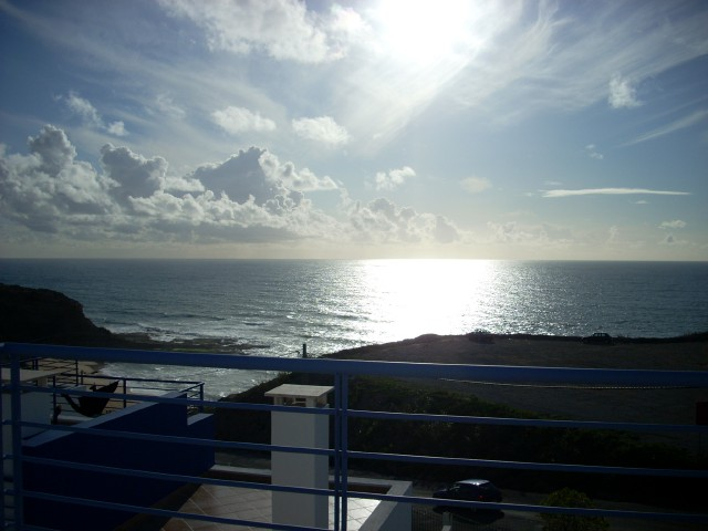 Imobiliário - Vendas - Casas - Four Bedroom Villa with spectacular sea views just two minutes from the beach. - ID 5195