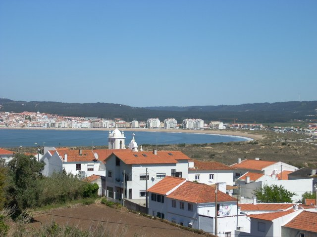 Imobiliário - Vendas -  Moradias - New Villa with excellent views of Sao Martinho Bay. - ID 5743