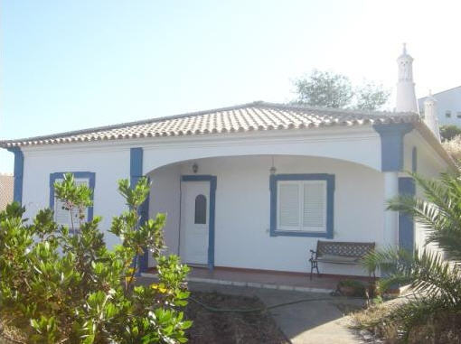 Imobiliário - Vendas -  Moradias - 3 Bedroom Villa Located in the Outskirts of Loule - ID 5739