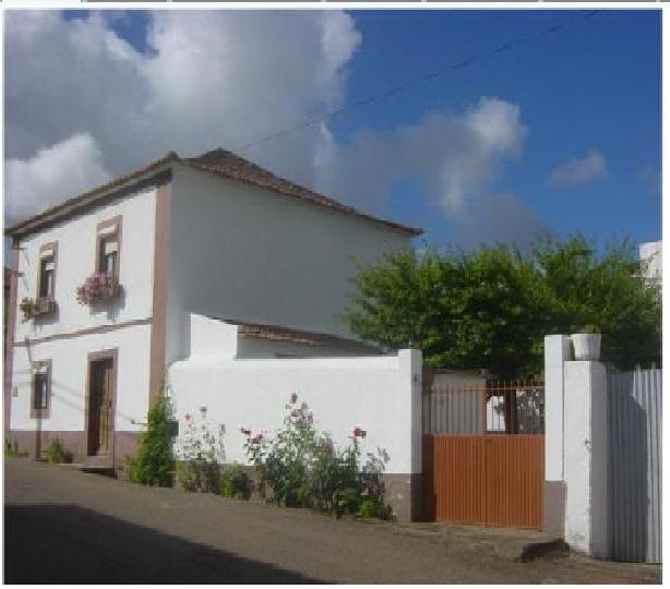Imobiliário - Vendas - Casas - Lovely 3 bedroomed house and pateo - ID 5161