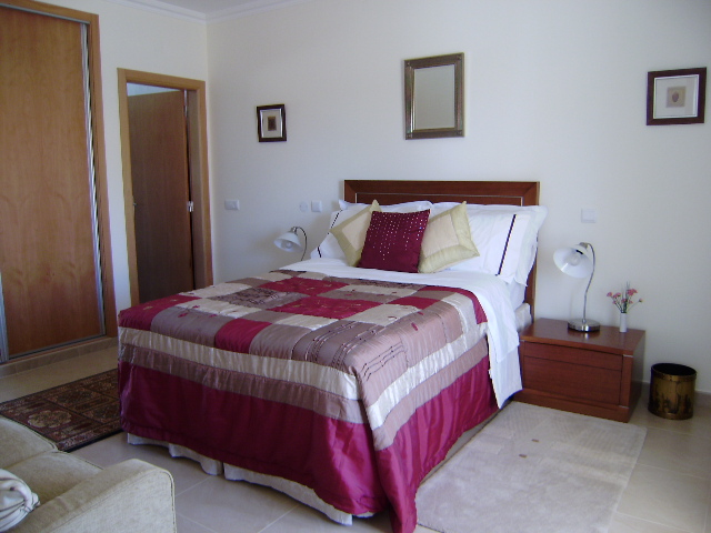 Villa_for_sale_in_Sao Martinho do Porto_NCR4501
