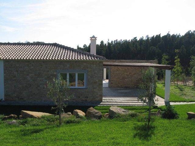 Real Estate - Sales - Houses - House with land on quiet village - ID 5377
