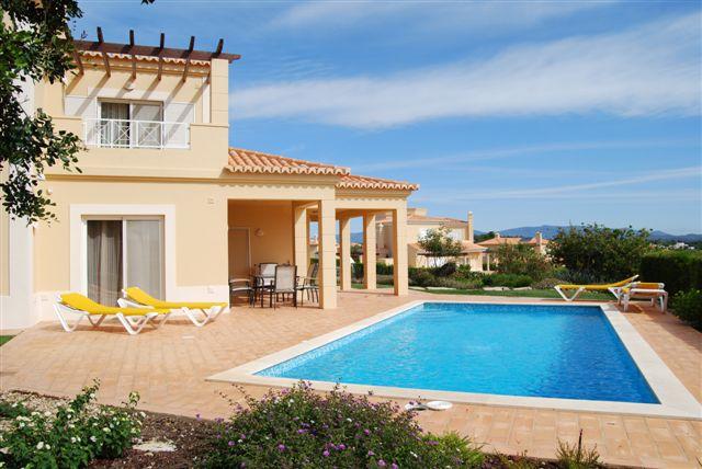 Carvoeiro - Imobiliário - Vendas - Propriedades no Golfe - Villa 3 Bedroom Detached Villa - ID 6227