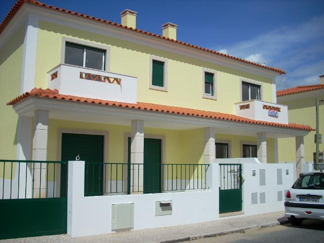 Sao Martinho do Porto - Imobiliário - Vendas - Casas - New Semi-detached Villa, within walking distance to the sea. - ID 5039