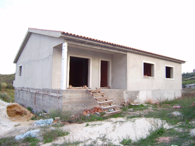 Evora de Alcobaca - Imobiliário - Vendas - Casas - Good value property for sale *15 minutes from de Coast. - ID 5000