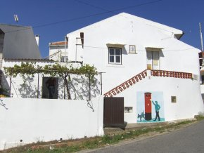 Imobiliário - Vendas - Casas - Small house - 2 Bedrooms - Village near Nazare beach - ID 4948