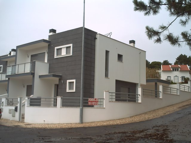 Salir de Porto - Imobiliário - Vendas - Casas - Superb House at 2 minutes from the sea - ID 4931