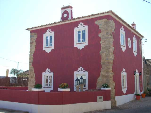 Imobiliário - Vendas - Casas - Charming renovation on an old primary school - ID 4908