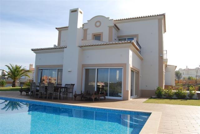 Imobiliário - Vendas -  Moradias - Golf Frontline Property - ID 5664